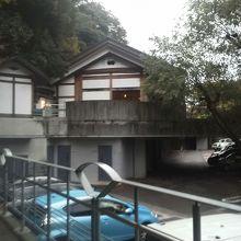 `一休`の建屋
