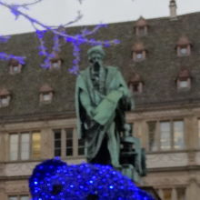 グーテンベルグの像