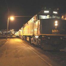 平均時速50Kのカナダ横断鉄道です