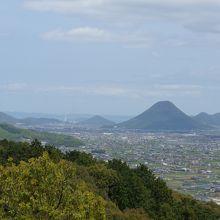讃岐富士を臨む