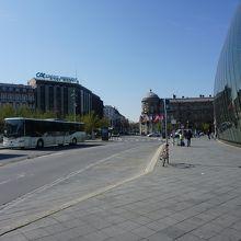 ガール広場のバス乗り場