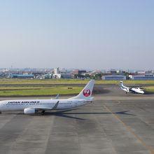 出発機と到着機