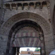 入り口の大きな門