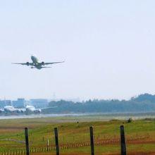 こんな感じで空港が見渡せる