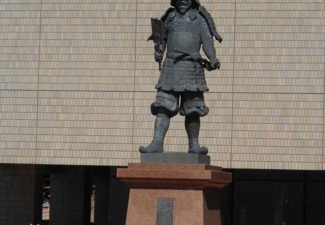津軽為信像