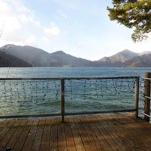 宿から見た中禅寺湖