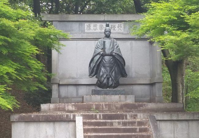 金刀比羅宮 琴陵宥常銅像