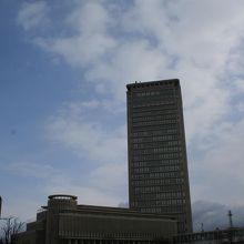 山形駅西口の高層複合ビル