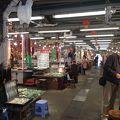 写真:ヒスイ市 (玉器市場)
