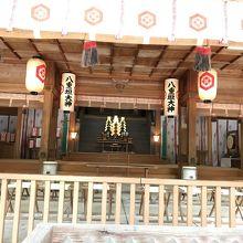 八重垣神社、拝殿内部の様子。