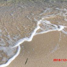 灯台の目の前はビーチ