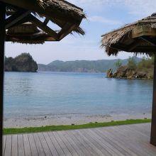 兄島に面したサンゴの海岸