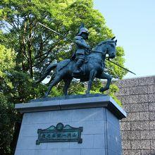 山内一豊銅像
