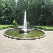 成田山公園内にある噴水