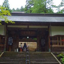 永平寺、観光客がいても静か、