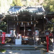 古い庚申塔がある神社