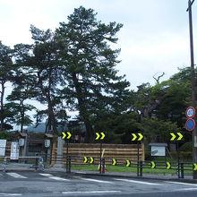 松島湾に面した建築