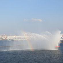 大さん橋から見える 放水イベント