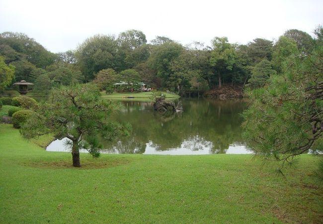 六義園 蓬莱島