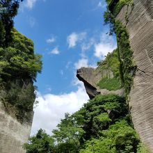 突き出した岩からの展望