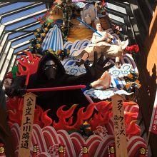 神社近くの商店街に展示されていたスターウォーズの山笠