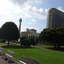 港と反対側の景色