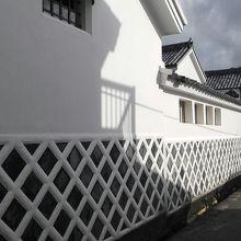 白い壁の城下町