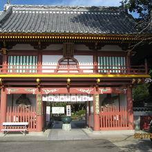 仁王門が立派な極楽寺