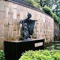 写真:三浦環の像