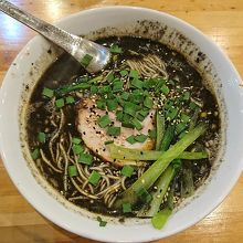 黒ゴマの香りの強いスープ