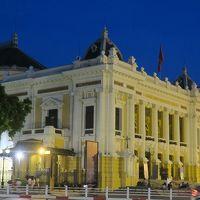オペラ ハウス(市劇場)