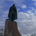 写真:レイブル エイリクソンの像