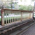 写真:言問橋の欄干と縁石
