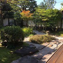 縁側からのお庭の眺めが素晴らしい