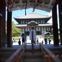 現在の大仏殿は3代目で1700年に建てられた世界最大の木造建築