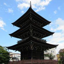 バランスの良い飛騨高山の寺。