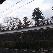 甲府駅前の甲府城がある公園