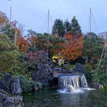美しい日本庭園があります