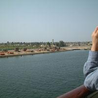 スエズ運河を船でゆく〜第39回ピースボート地球一周の船旅〜