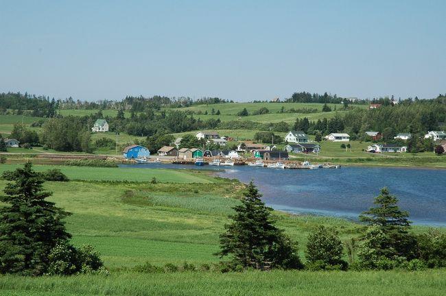 赤毛のアン・ファンの妻に引きづられて、ついに4度目のPEI旅行をしてしまいました。<br />今回のテーマは、「島を1周する」こと。トヨタ・ヤリスを駆って、7泊9日の旅でした。<br /><br />ペンション銀の森のホームページも見てね!<br />http://www.silver-bush.com/