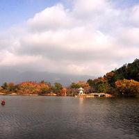 2011 紅葉の三島池周辺と伊吹山?