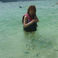 サピ島で大トカゲと昼食を