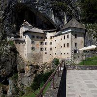 クロアチア、スロベニア、モンテネグロ、ボスニア・ヘルツェゴビナ12日間の旅�専用車で2つの鍾乳洞と洞窟城