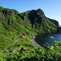 利尻・礼文は宝の島(二日目)〜曇天で始まった利尻島観光から、礼文のダイナミックな景色で最後はすっきり。海にそびえる利尻富士の美しい姿も拝みました〜