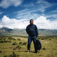 ラサから青蔵高原を走って、唐古拉(タングラ)峠(海抜5,231m)を越えて、30時間以上かかって、ゴルムドへ到着@チベット/中国