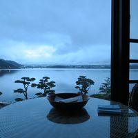 河口湖へドライブ 忍野八海で外人観光客の大さにビックリ!