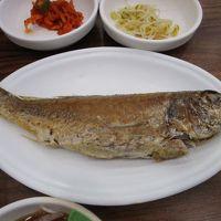 釜山 デソン(大鮮)フェッチッで朝御飯 抜群においしいチョギの焼き魚