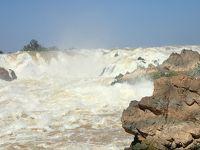 ラオス-3 パクセー 世界遺産の遺跡とメコン最大の滝