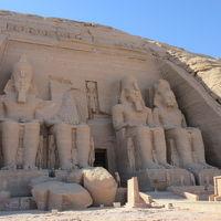 行って良かった!エジプト夢紀行(7)クルーズ下船〜アブシンベル神殿へ