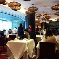 香港 & 深圳・有給休暇を消化する旅、深圳編。深圳の屋台で串焼きを堪能し、シャングリラホテルの香宮(シャンパレス)でお上品なお味の飲茶を楽しむ。